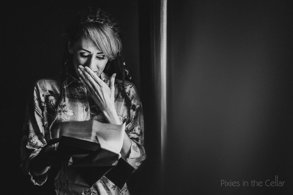 emotive documentary wedding moments