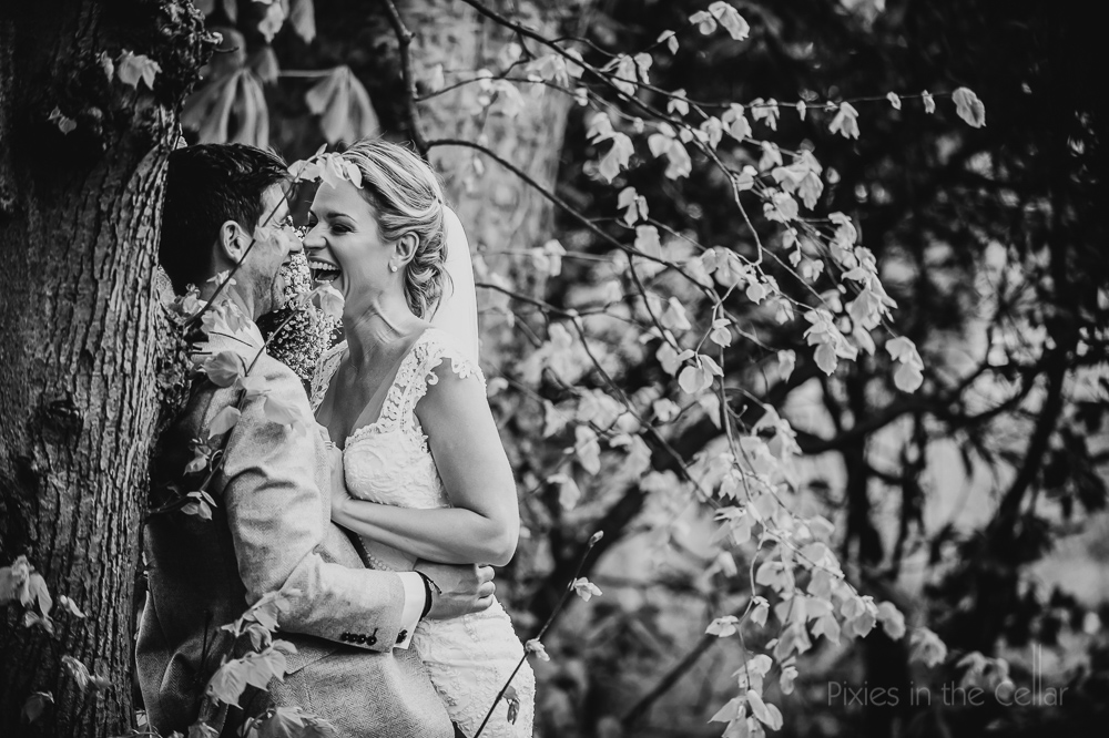 natural wedding portraits black and white