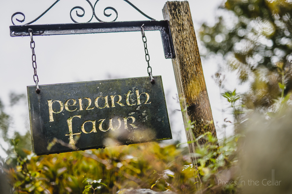 Penarth Fawr autumn rainy wedding