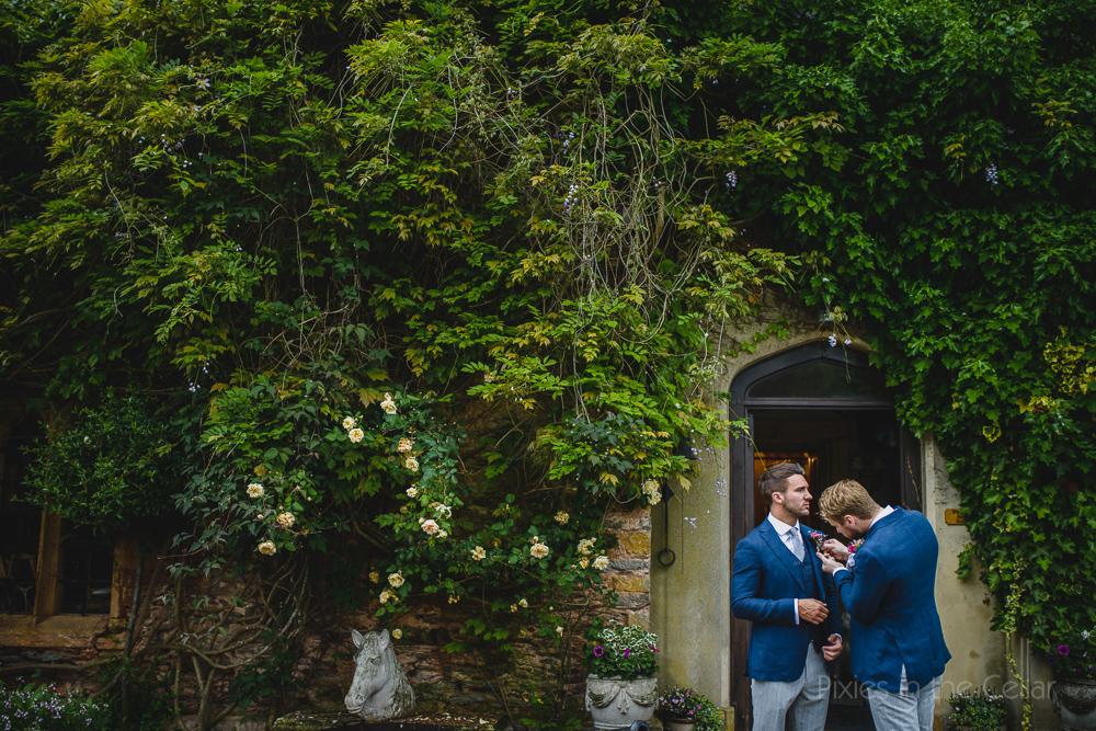wedding morning Maunsel House photo
