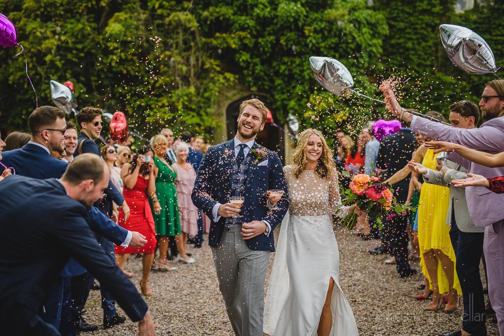 wedding confetti run