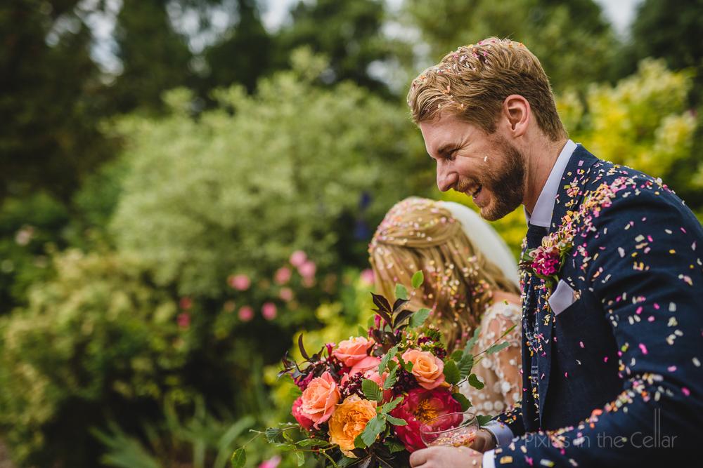 natural wedding confetti petals
