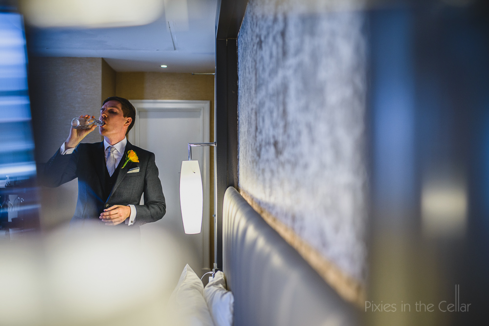 groom prep hotel room
