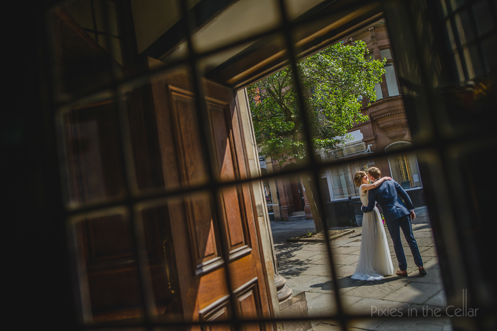 fly on the wall wedding photography framing the subject