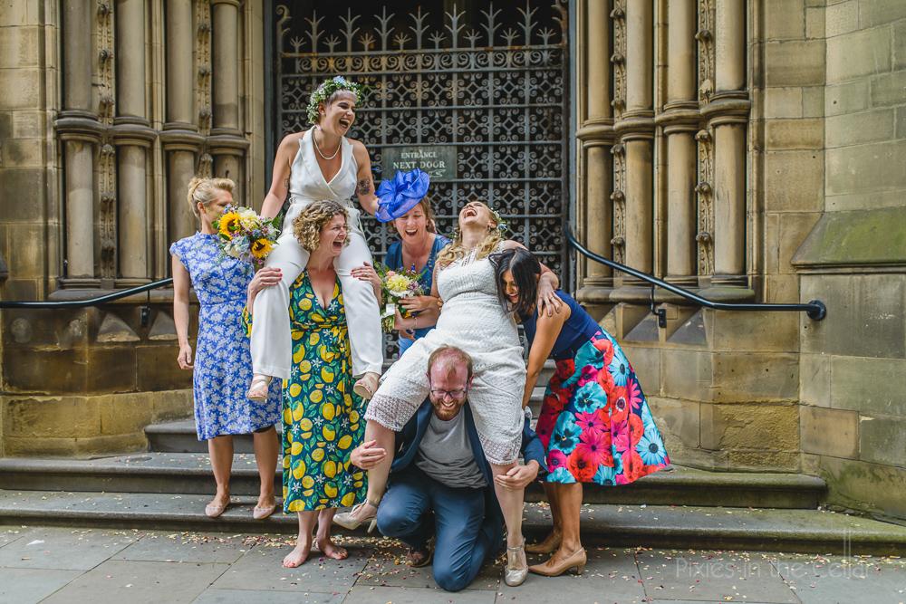 alternative wedding group photos