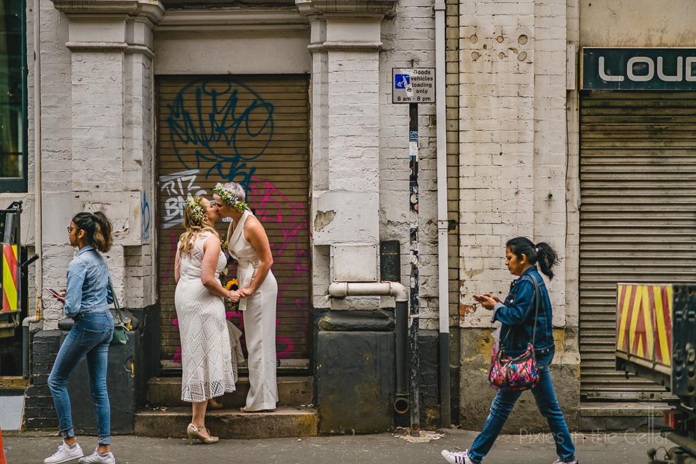 northern quarter wedding urban gritty photos