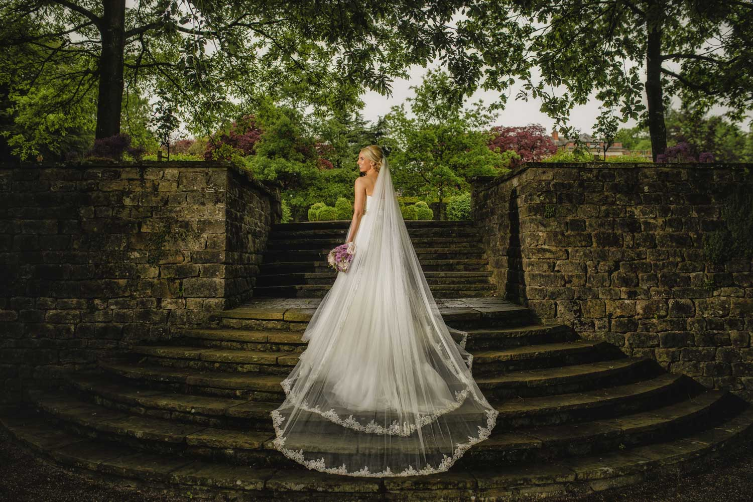Classic bride dress veil steps