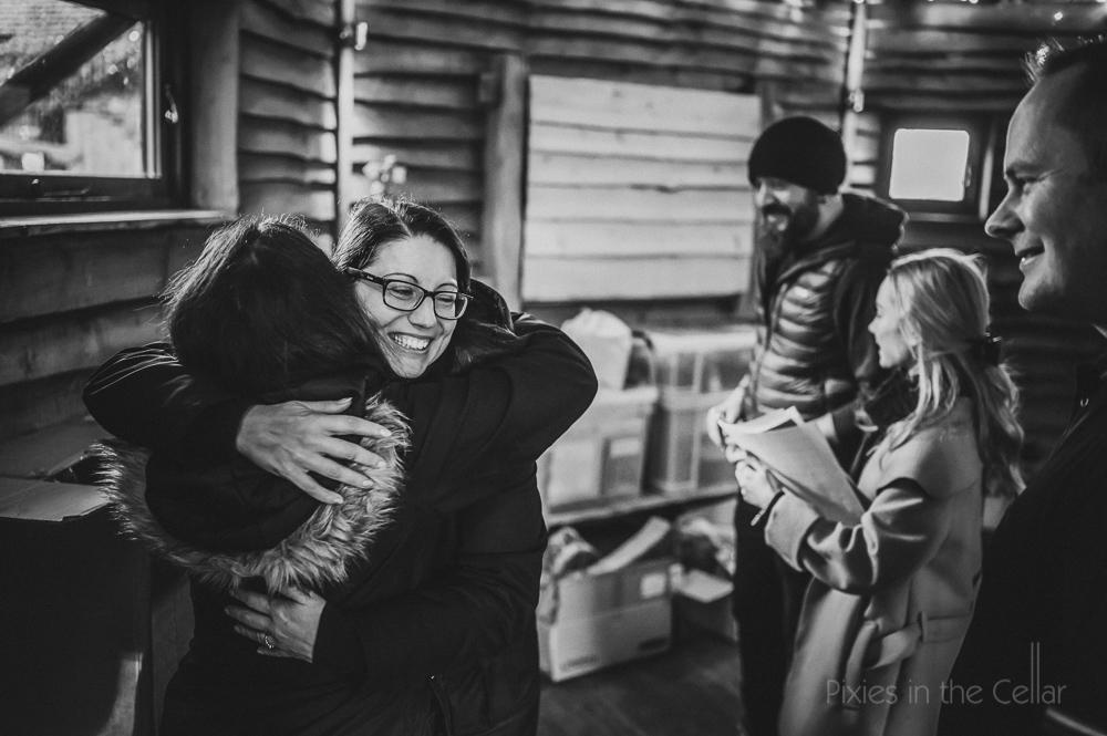 wedding hugs Alnwick treehouse