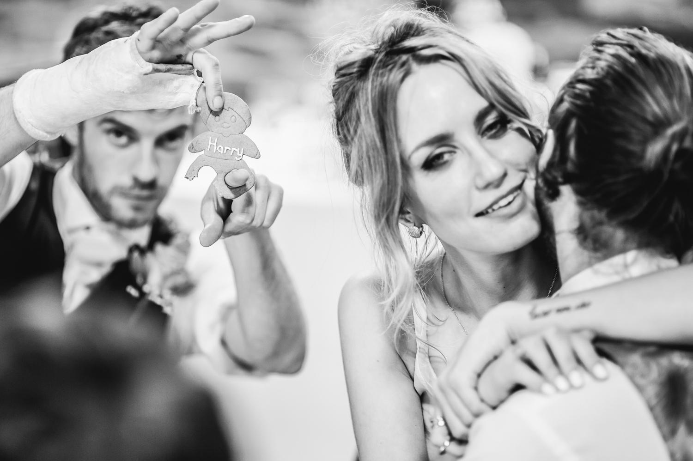 genuine edgy wedding photography