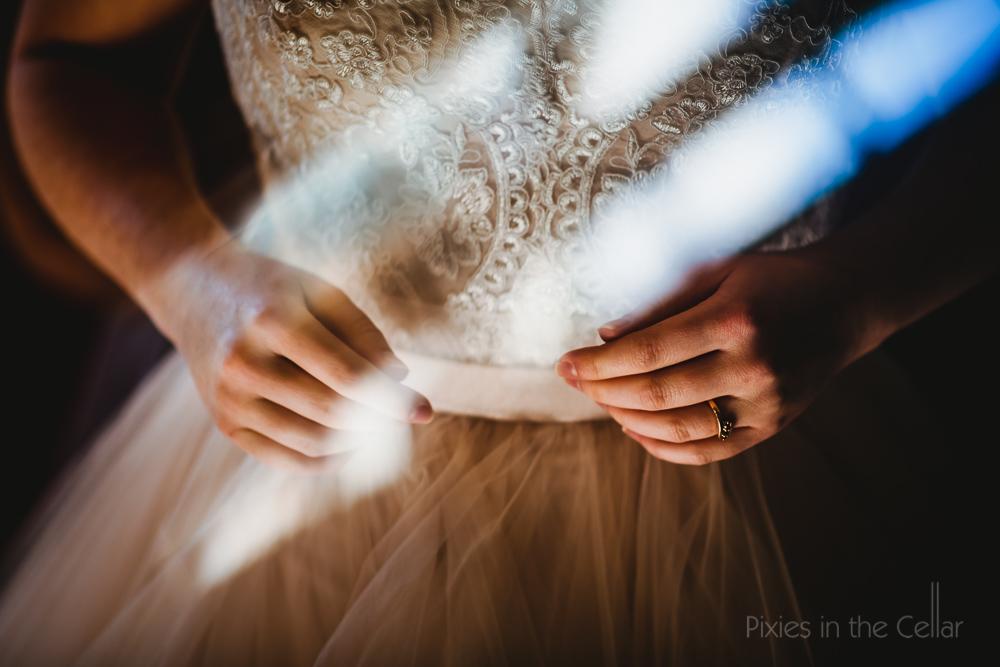 wedding dress details winter wedding