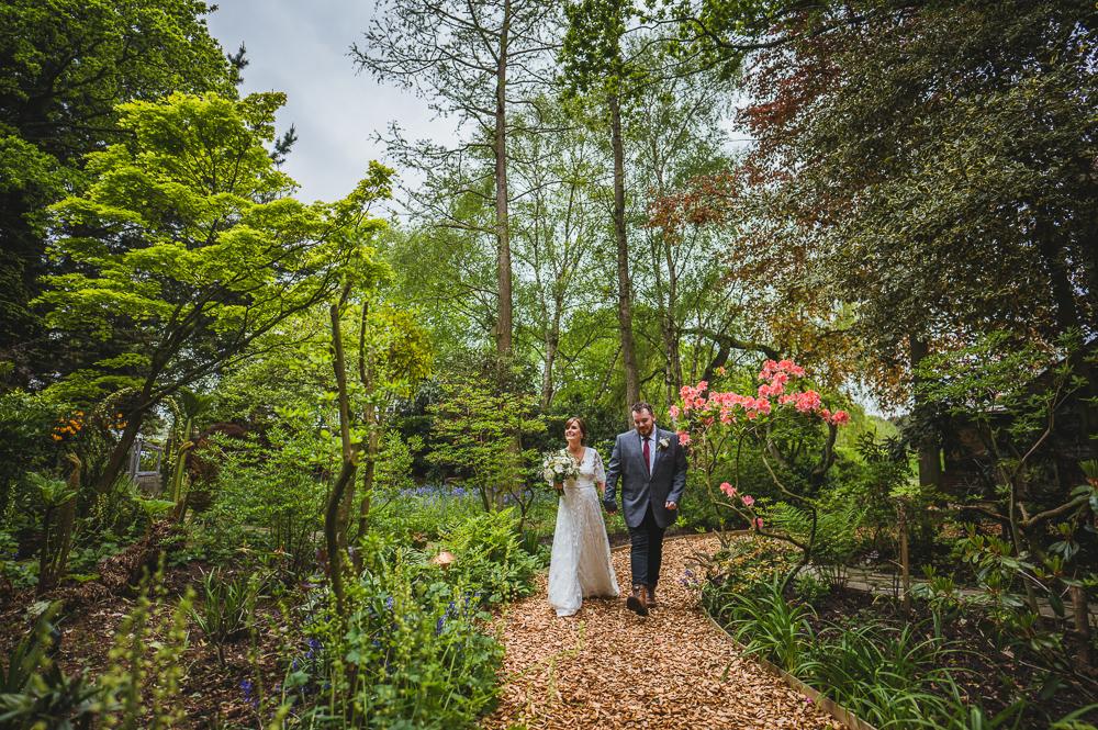 intimate woodland wedding venue aisle walk